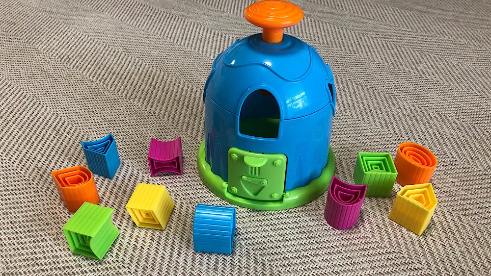 トイサブで借りたおもちゃ「shape factory」
